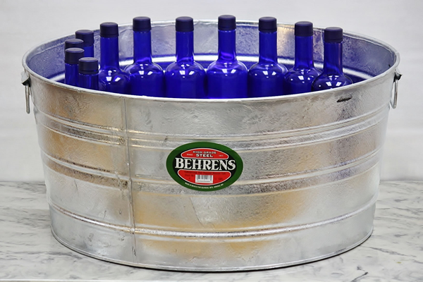 17 Gallon Beverage Tub