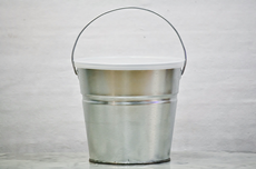 2 Quart Metal Bucket With Lid In 16 Solid Colors
