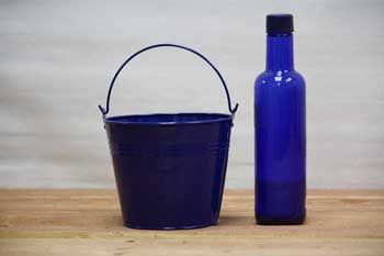 1.5 Quart Blue Tin Decoration Pails