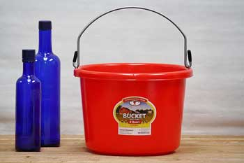 Red 2 Gallon Feed Bucket