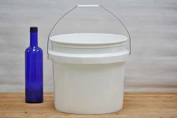 3.5 Gallon Plastic Bucket