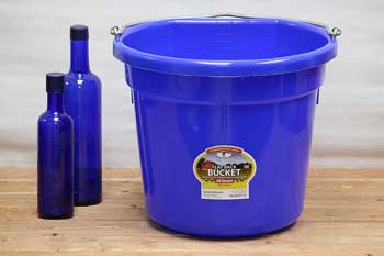 Blue 20 Qt Horse Feed Bucket