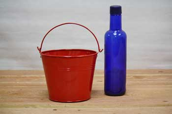 1.5 Quart Red Tin Decoration Pails